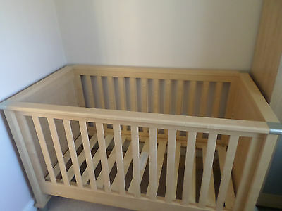 Mamas & Papas Modensa Cotbed and Mattress with Cot Top changer