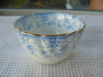 Vintage fluted white/blue floral china sugar bowl Gold highlights Good condition