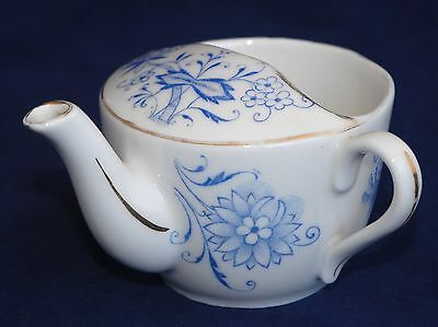 Antique Blue & White Invalid Feeder / Cup #2076
