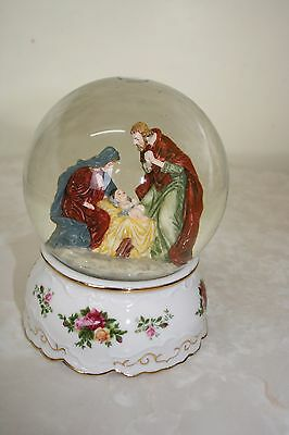 Royal Doulton Albert Country Roses Musical Snow/water Globe Christmas Theme Bnwt