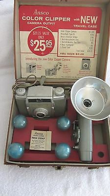 Vintage ANSCO COLOR CLIPPER CAMERA Outfit w/ Blue Flashlamps Bulbs, Flash & Case