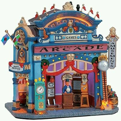 Lemax Village Arcade Games lighted building 2006 collection