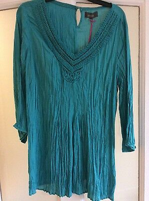 Marks and Spencer Per Una top size 18 BNWT