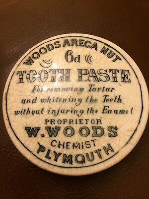 Vintage  W Woods Plymouth Areca Nut 6D Tooth Paste  Pot Lid