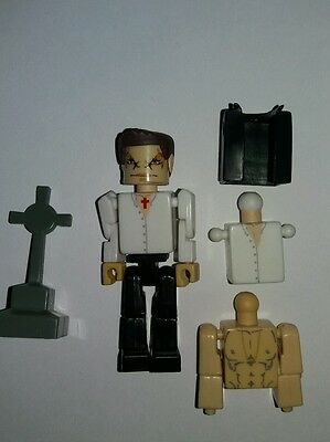 Buffy the Vampire palz Angel mini figure. In good condition. Sold as seen
