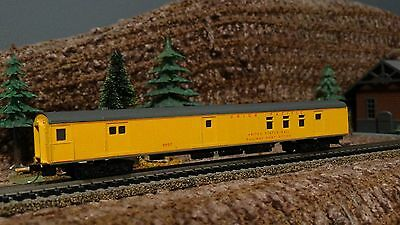 N Scale Atlas Union Pacific Smooth Side Railway Post Office Car   Lot