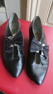 Dolcis Vintage 1960s 1970s Black Leather Bow Detail Shoes UK 5 38