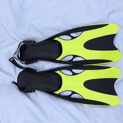Flippers size 6 Green & Black Brand New
