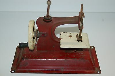 Vintage Jr Model GATEWAY Toy Sewing Machine