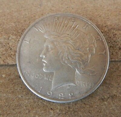 1922    UNITED  STATES  'SILVER   PEACE  DOLLAR 900 Silver