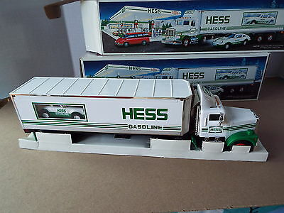 Lot of 2 1992 Hess 18 Wheeler and racer both new in box