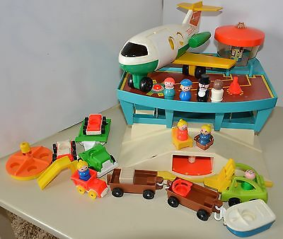 Fisher Price Vintage Little People AIRPORT AIRPLANE plane cars 1972 FP