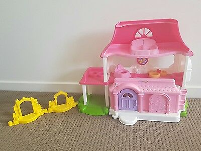 Fisher Price Little People Happy Home Dolls House