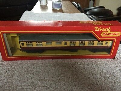 Vintage Hornby BOXED Blood & Custard Coach VGC - Collectable
