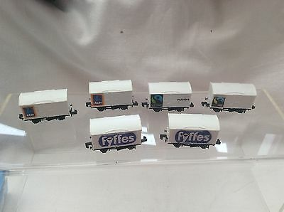 N GAUGE PECO LOT OF 6x CLOSED VANS ( WHITE )