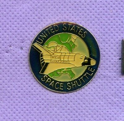 Space Shuttle   United States   Hat Lapel Pin  V808