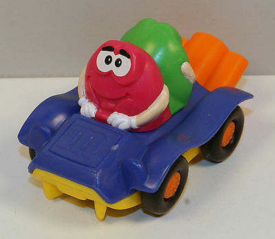 """3.5"""" Red & Green M&M's Burger King Figure Toy in Purple Car"""