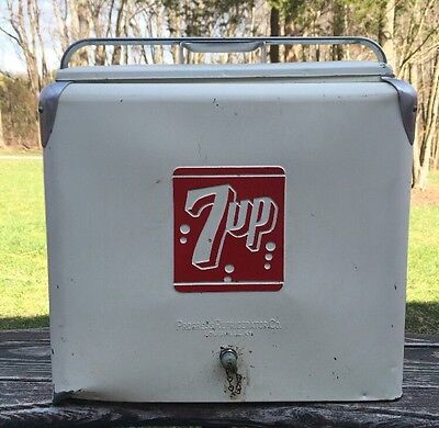1950's VINTAGE 7UP METAL COOLER PROGRESS REFRIGERATOR CO. WHITE ADVERTISING
