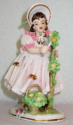 Dresden KP Müller Antique Gorgeous Girl with Yellow Flowers Lace Figurine 1930s
