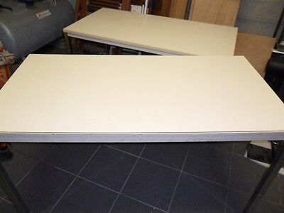2 tables beige