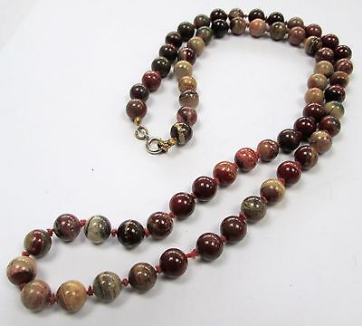 Good quality vintage hand knotted agate bead necklace