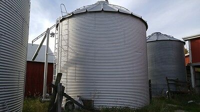 Brock 18' grain bin, floor, fan, stirator & corner unload.