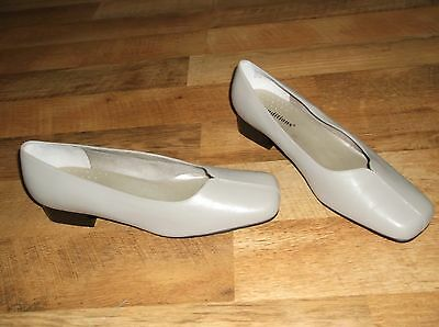 Auditions Low Heel Pump Women's Shoes Size 11 Wide Leather Upper Beige New $80