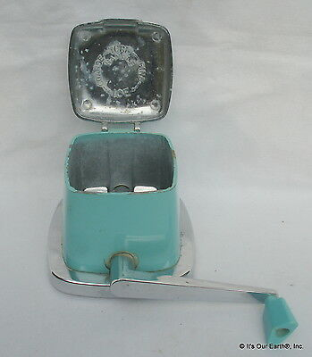 """Vintage """"Maid of Honor"""" manual ice cube crusher top ONLY retro utensil Turquoise"""