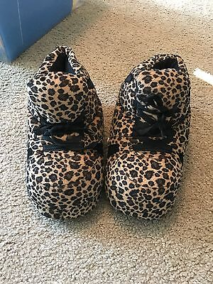 Snooki Slippers by Happy Feet L Leopard print