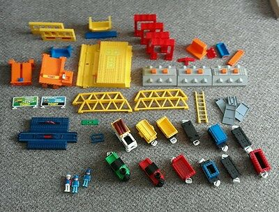 ☆VINTAGE TOMY 80s FREIGHT TRAIN STATION|60 PLUS PIECES|TRAINS|FIGURES|BUILDINGS☆