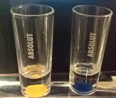 New - 2 x Absolut shot glasses (1 x yellow; 1 x blue)