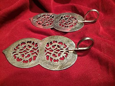PAIR VINTAGE PIE CAKE PASTRY DESSERT CANAPE SERVER Handled Silver Plate