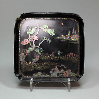 Antique Chinese lac burgauté square-section miniature tray, Kangxi (1662-1722)