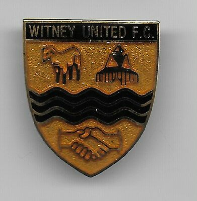 Witney United Fc   Non League Enamel Badge  Very Good Condition