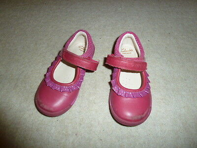Girls pink clark shoes size 6.5F