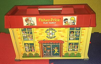 Fisher Price Play Family Children's Hospital #931 Complete Very Nice Vintage 76