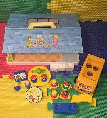 Fisher Price Play Family Nursery School #929 Complete Very Nice Vintage 78