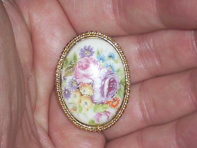 Vintage Hand Painted Floral on Porcelain Brooch in Gold Tone