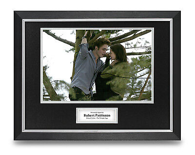 Robert Pattinson Signed Photo Framed 16x12 Autograph Display Twilight Saga COA
