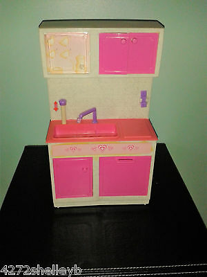BARBIE/SINDY SIZE FURNITURE KITCHEN UNIT SINK ECT  by GEOFFREY INC from 1980's