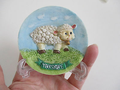 Small cute resin Yorkshire spring lamb decorative plate with stand