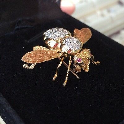 18K Yellow Gold Bee Pin Brooch With Ruby And Diamonds