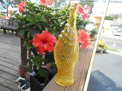 """YELLOW Amber DECANTER Vintage Glass Fish Bottle 12"""" WITH CORK NEVER USED NEW"""