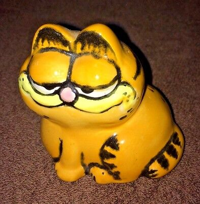 Collectible Garfield Cat Figurine Decoration Home Decor Ceramic
