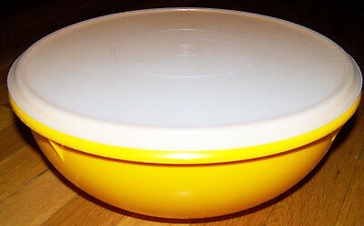 "Tupperware Gold Large Fix N Mix 26 C Round Bowl #274 12"" Lid #224 Discontinued"