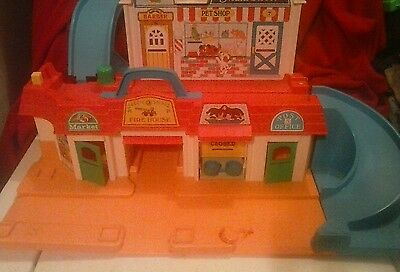 Fisher Price Little People Main Street #2500 Building & Sign Only