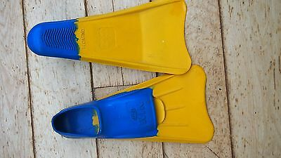 WIN swimming flippers Size 7-9