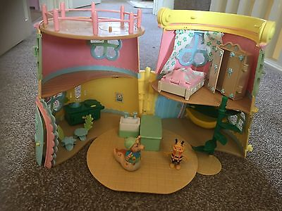 FIFI AND THE FLOWER TOTS WATERING CAN HOUSE AND ACCESSORIES, See pics for detail