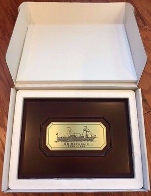 Ss Republic Wooden Coin Display Case  New In Box