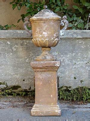 Late 18th century / early 19th century mounted Medici garden urn - French urn